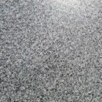 Granit Sesam Black semilastre lustruit